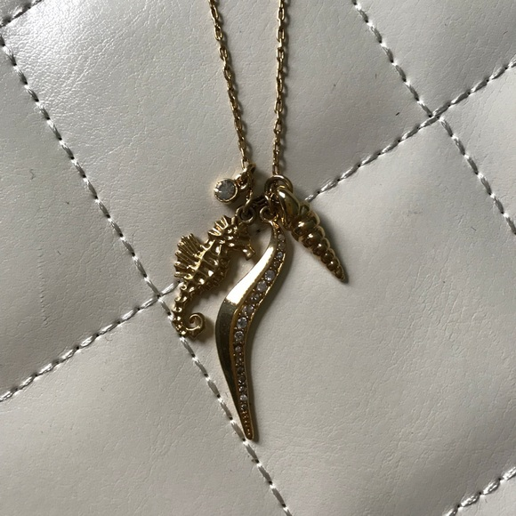 Stella & Dot Jewelry - Seahorse 🐚 Charm Necklace